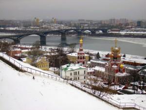 Канавинский мост зимой, вид церквей.