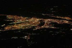 Ночная съемка города Нижний Новгород с самолета.